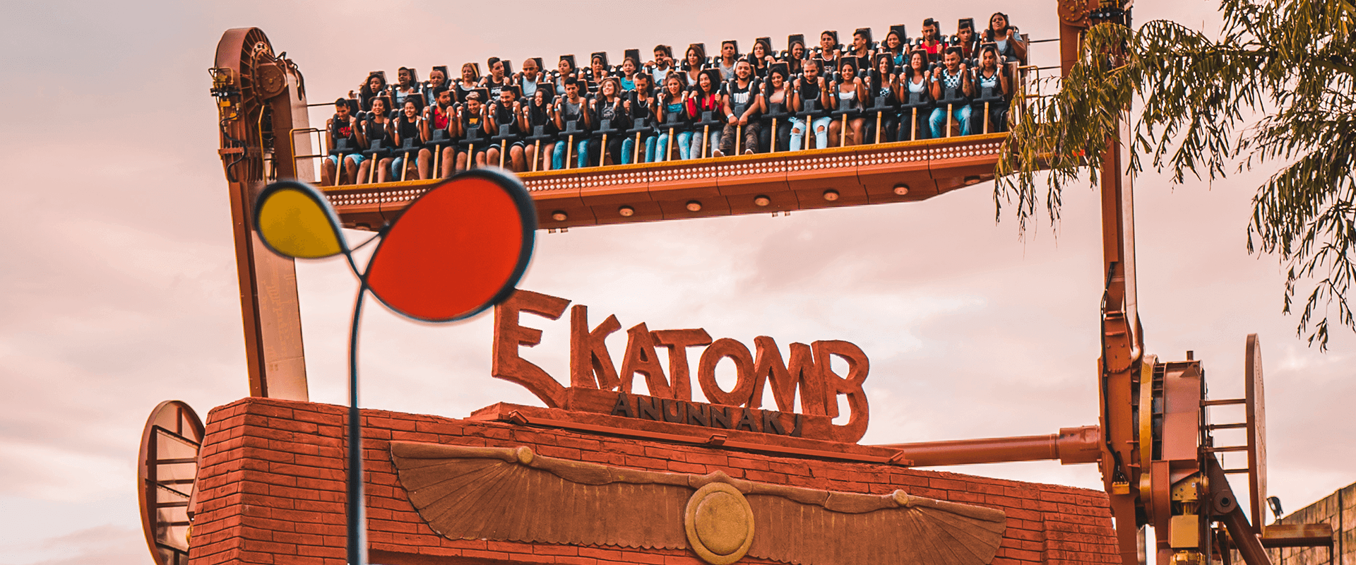 Ekatomb - Hopi Hari